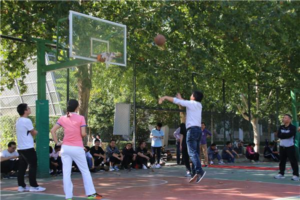 篮球投篮.JPG